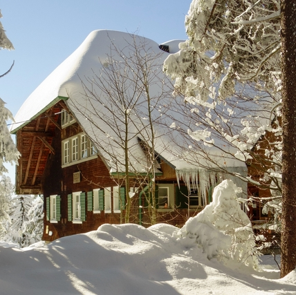 winter-house-teli-haz-3152075526